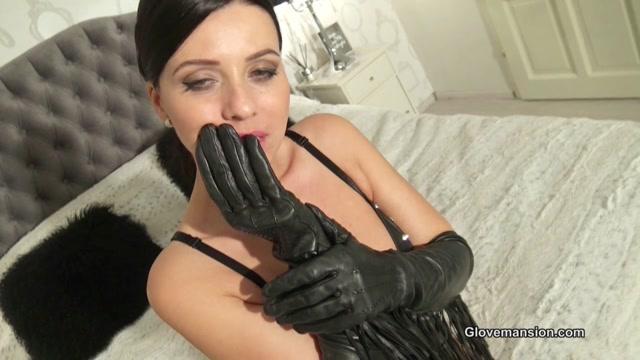 Vicky_loves_her_fringed_leather_gloves.mp4.00000.jpg