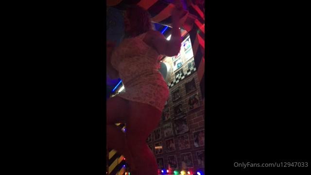 aleeshayoung_13-05-2020_Dance_With_Me.mp4.00009.jpg