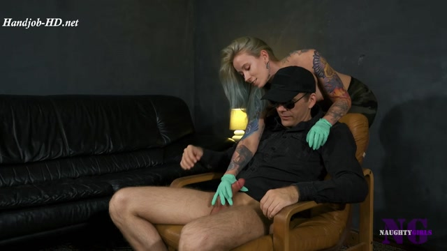 Anett_wants_to_play_-_Naughty_Girls_-_Mistress_Anette.mp4.00004.jpg
