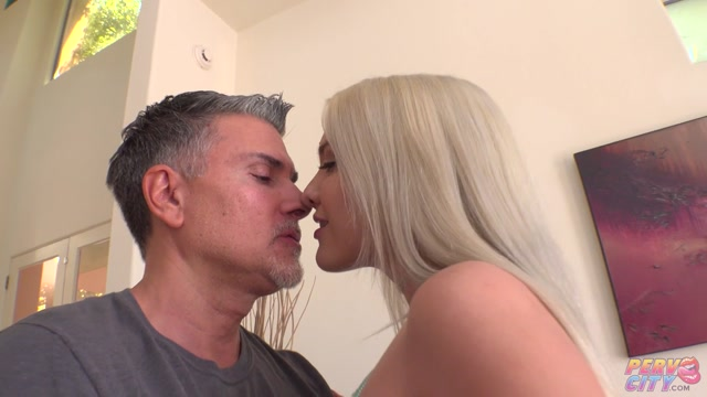 BangingBeauties_presents_The_Kenna_James_Anal_Gape_Experience_-_08.10.2020.mp4.00000.jpg