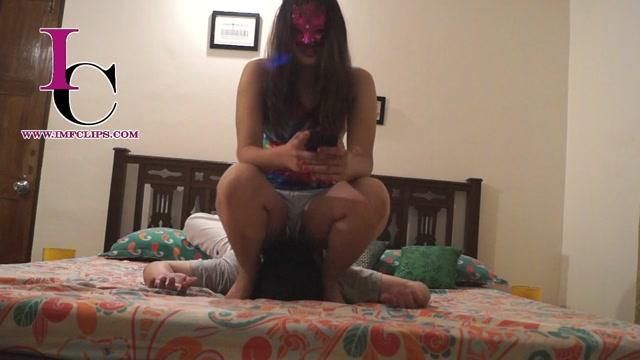 Indian_Mistress_Femdom_-_Femdom_Smother_-_Saali_Doing_Back_Chest_Face_Massage_3_by_Mistress_She.mp4.00015.jpg