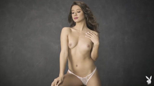PlayboyPlus_-_12.08.20_Mel_Green_in_Perfect_pose.mp4.00004.jpg