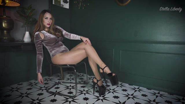 Stella_Liberty_-_Legs_Cum_Challenge.mp4.00013.jpg