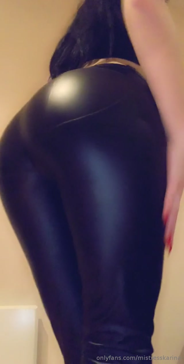 mistresskarina_01-04-2019_Leather_jeans_ass_tease.mp4.00006.jpg
