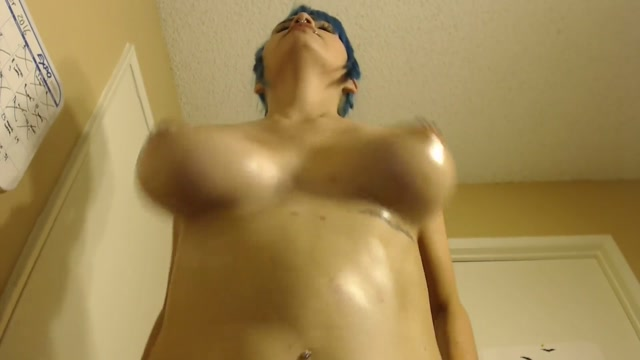 thick_topless_workout.mp4.00012.jpg