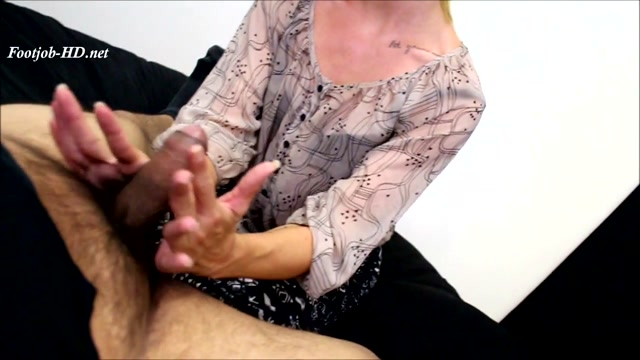 FootJob_Virgins_Feeturing_Janira_Wolfe_-_FootJob_Virgins.mp4.00004.jpg