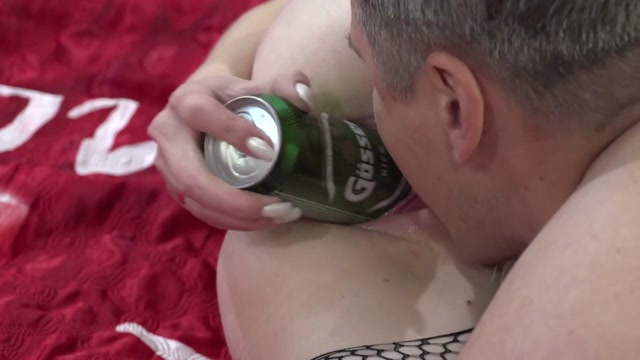 Russian_wife_enjoy_to_gets_sausage_and_beer_bottles_in_wet_vagina.mp4.00014.jpg
