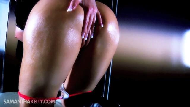 Samantha_Kelly_-_Nude_Muscle_Glam_Shoot_In_Vegas.mp4.00004.jpg
