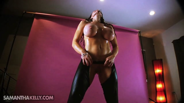 Samantha_Kelly_-_Nude_Oiled_Up_Sumo_Squats.mp4.00003.jpg