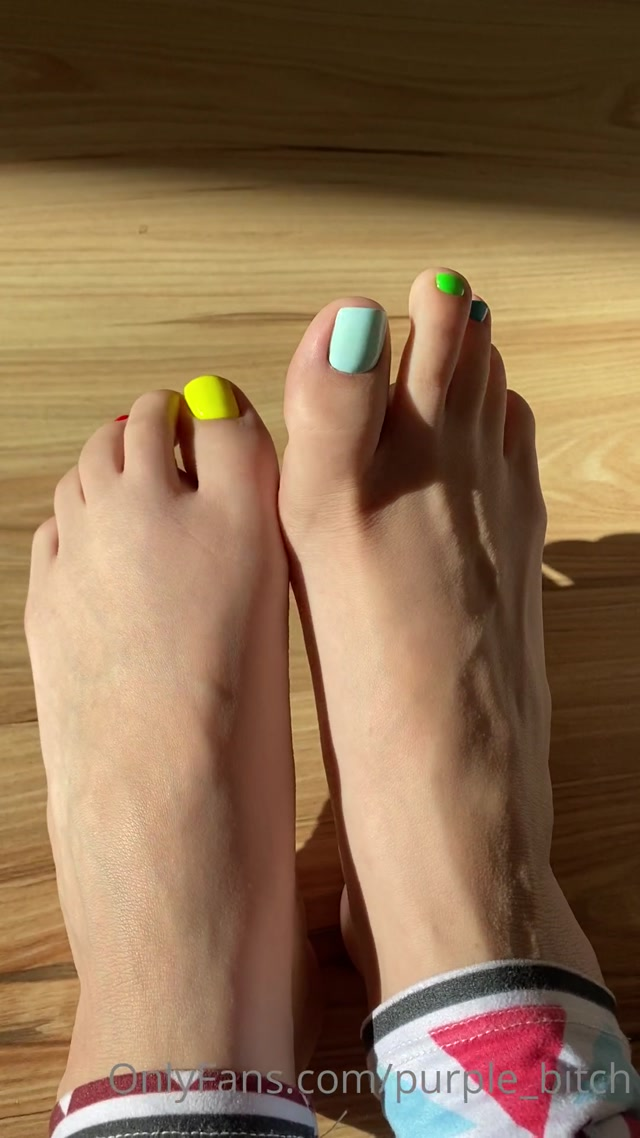 purple_bitch_19-06-2020_Special_for_feet_lovers.mp4.00002.jpg