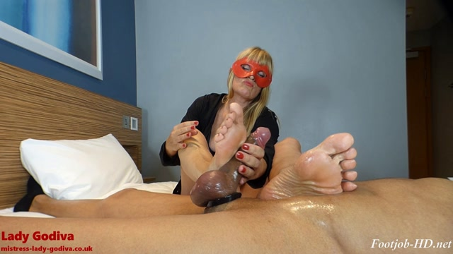 Lady_Godiva_plays_with_real_cock__foot_slapping_it_to_orgasm_-_Lady_Godiva_Foot_Fetish.mp4.00001.jpg