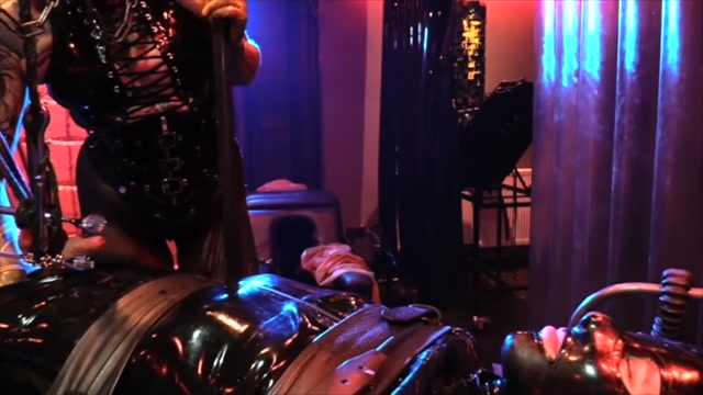 Cybill_Troy_-_The_Meat-Grinder___Electrical_CBT__.mp4.00005.jpg