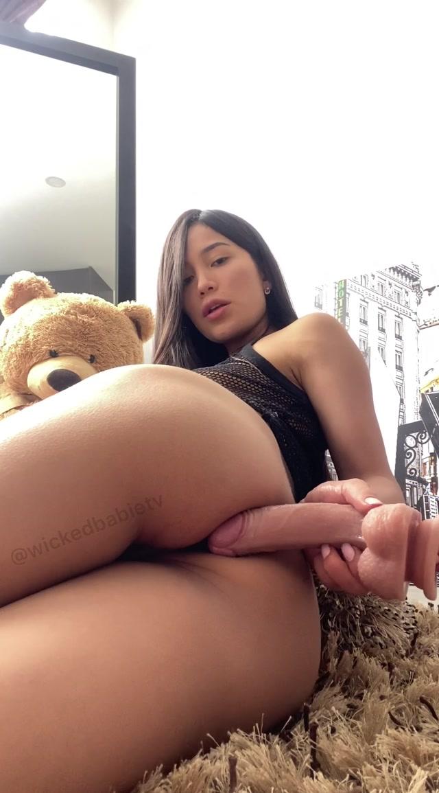 EmilyOrtiz_OnlyFans_Video_034.mp4.00013.jpg
