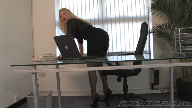 Femme_Fatale_Films_-_Mistress_Eleise_de_Lacy_-_Tiny_Cock_Cuckold.mp4.00014.jpg