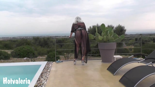 Hotvaleria_-_In_The_Negligee_By_The_Pool.mp4.00008.jpg