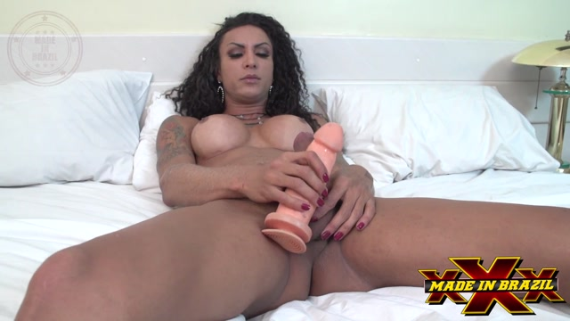 MadeInBrazil_presents_Transex_Masturbation_Isa_Poter.mp4.00002.jpg