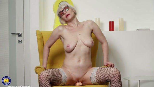 Mature.nl_presents_Nika_W.__44_.mp4.00009.jpg