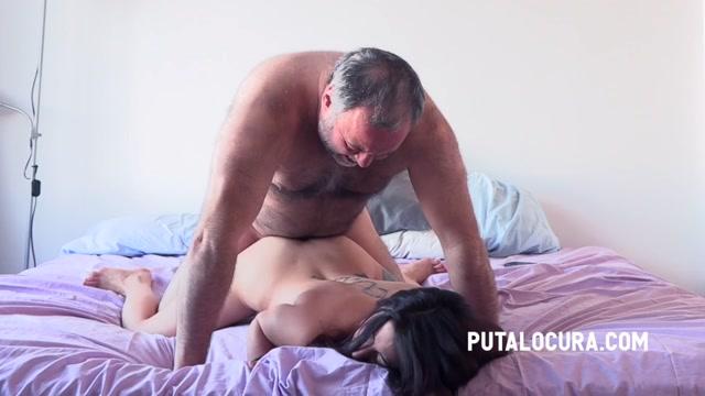 PutaLocura_presents_Rebeka_Brown_-_LOVELY_SPANISH_18_YEARS_OLD_-_LA_PILLADA_DEL_NUEVO_A_O.mp4.00012.jpg