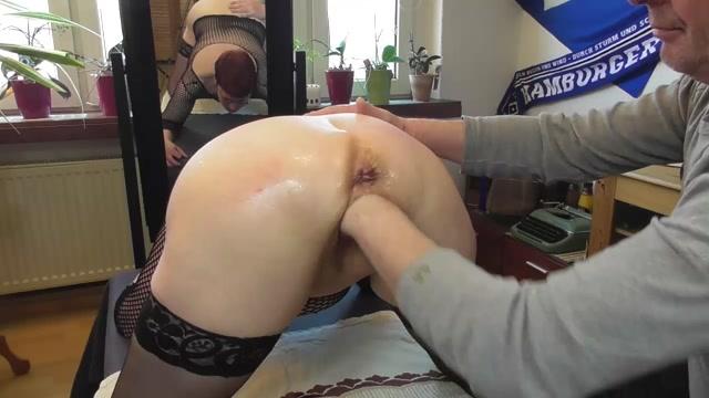 SicFlics_presents_Intense_fist_fucking_orgasms___25.01.2021.mp4.00005.jpg