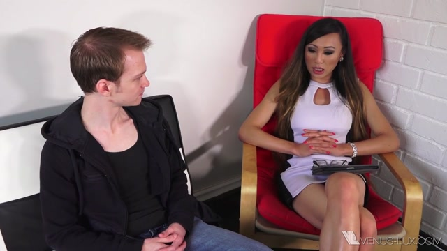 Venus_Lux_Therapist_And_Her_Client.mp4.00003.jpg