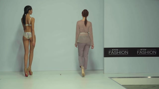 Voyeur_-_Bare__Underwear_show_that_is_mistaken_for_a_lower_body_show_15314697.mp4.00005.jpg