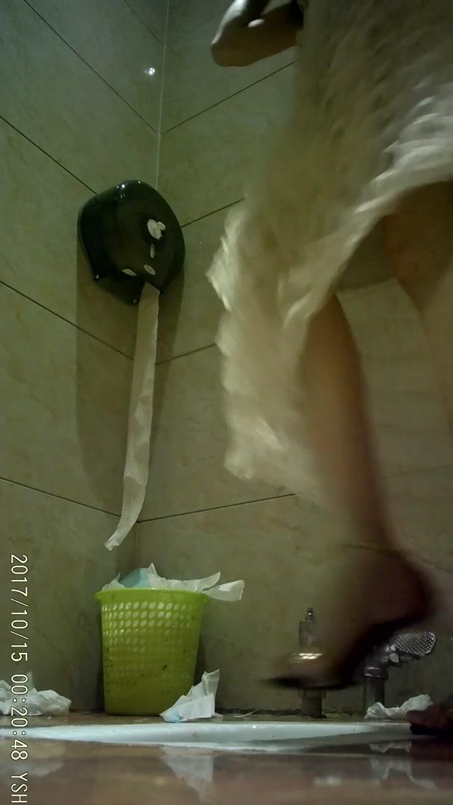 Voyeur_-_Classic_Toilet_Shoot_4.mp4.00011.jpg