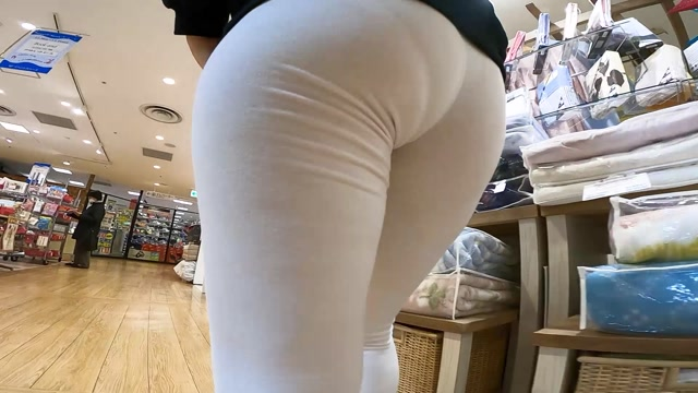 Voyeur_Explosive_butt_that_bites_panties_into_the_oversized_lower_body_and_fails_even_if_you_fix_many_times_15313646.mp4.00011.jpg