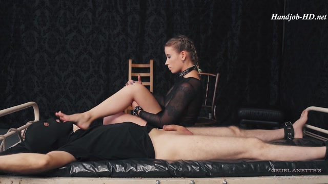 Aroused_from_her_soles_-_Cruel_Anettes_Fetish_Store.mp4.00003.jpg
