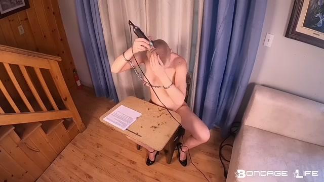 BondageLife_2021.01.18_morning_ritual19.mp4.00004.jpg