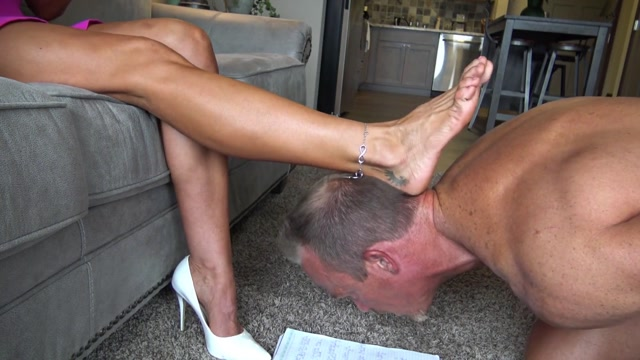 GODDESS_ZEPHY_-_CUCKOLD_5__SEVEN_NEW_CUCKY_RULES_TO_OBEY.mp4.00004.jpg