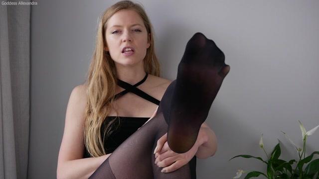 Goddess_Allexandra_-_Pantyhose_Bitch.mp4.00000.jpg