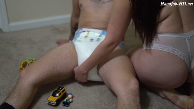 Playtime_diapered_handjob_-_Mommyandbabyd.mp4.00003.jpg