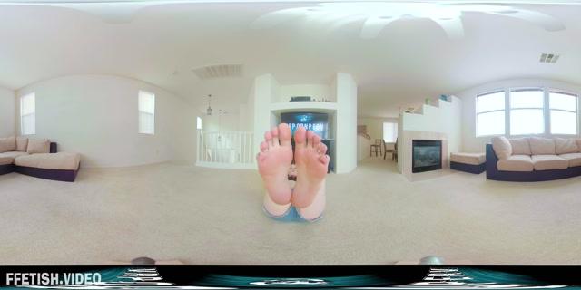 VR_Porn_Perv_-_VR360_Feet_Porn_-_Huge_Size_11_Feet.mp4.00012.jpg