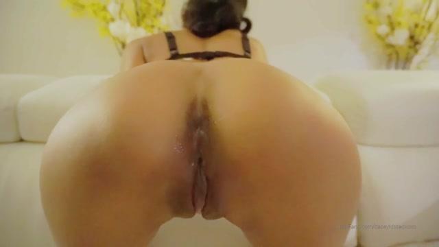 Casey_Kisses_-_Kylie_le_beau_has_such_a_nice_pussy.mp4.00004.jpg