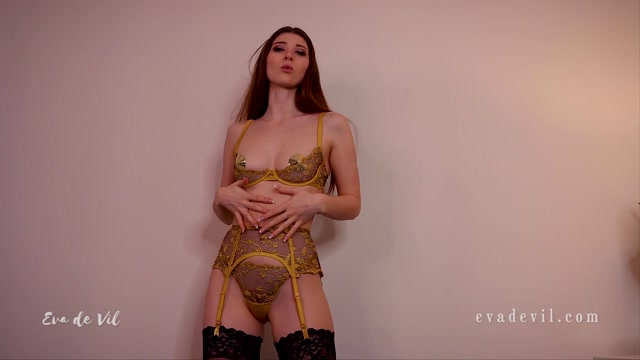 Eva_de_Vil_-_Slave_s_Work_Break.mp4.00009.jpg