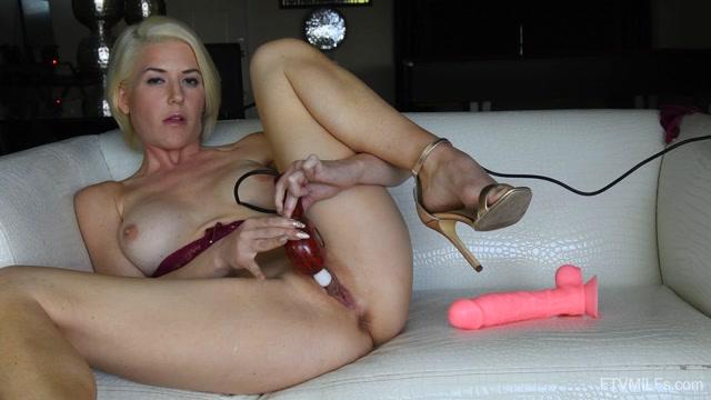 FTVMilfs_presents_Kit_Mercer_-_The_Flirty_Blonde_2_-_Returning_For_Pleasure_08.mp4.00013.jpg