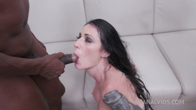 LegalPorno_presents_Cris_Bathory_s_first_triple_penetration_with_DP__DAP_and_Prolapse_YE077___30.03.2021.mp4.00015.jpg