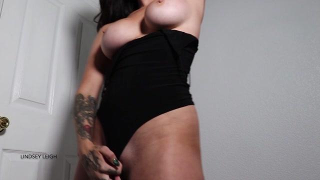 Lindsey_Leigh_-_Worship_My_Humps.mp4.00010.jpg