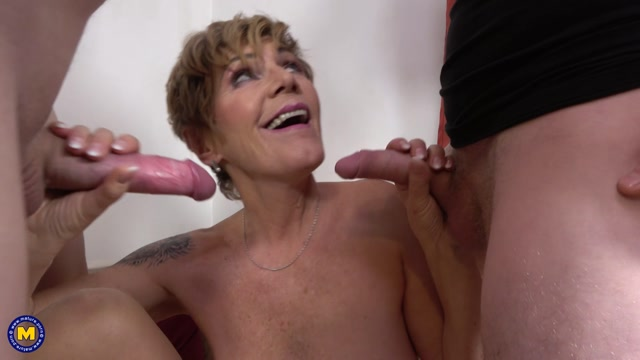 Mature.nl_presents_Irenka__61__-_Stripoker_threesome_with_a_mature_slut_and_two_toyboys.mp4.00006.jpg