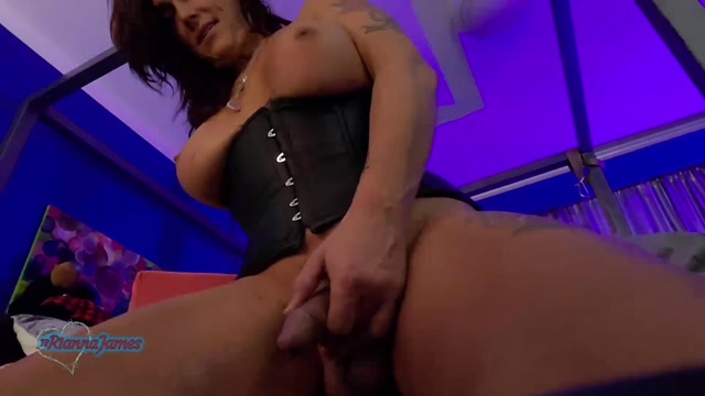Ts_Rianna_James__Voyeur_View_Cam_Show.mp4.00014.jpg