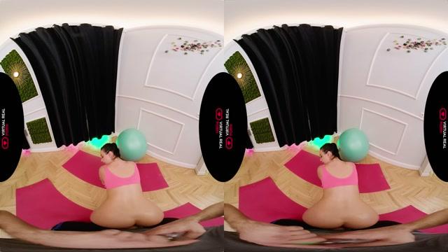 Virtualrealporn_presents_Oiled_Workout_-_Lady_Gang_4K.mp4.00006.jpg