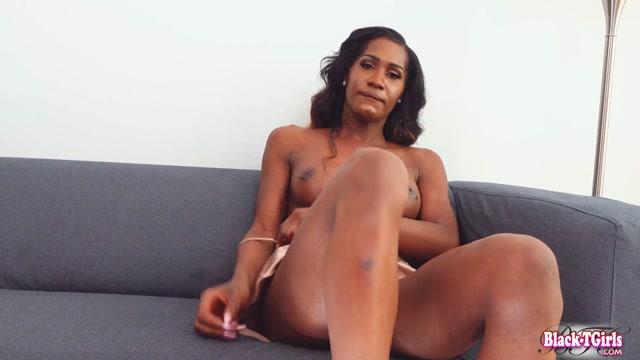 Black-tgirls_presents_Mistress_Venom_s_Amazing_Cumshot.mp4.00009.jpg