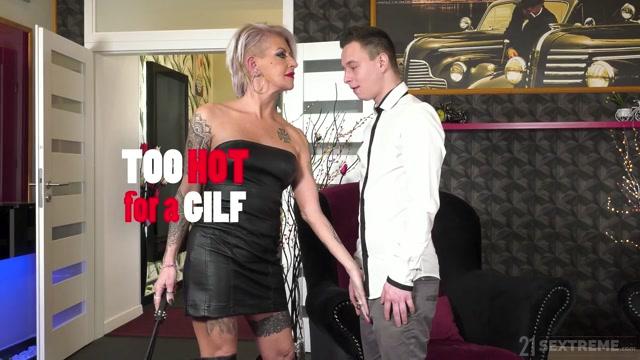 LustyGrandmas_presents_Kathy_aka_Cathie__Cathy_E_-_Too_Hot_For_A_GILF___01.04.2021.mp4.00000.jpg