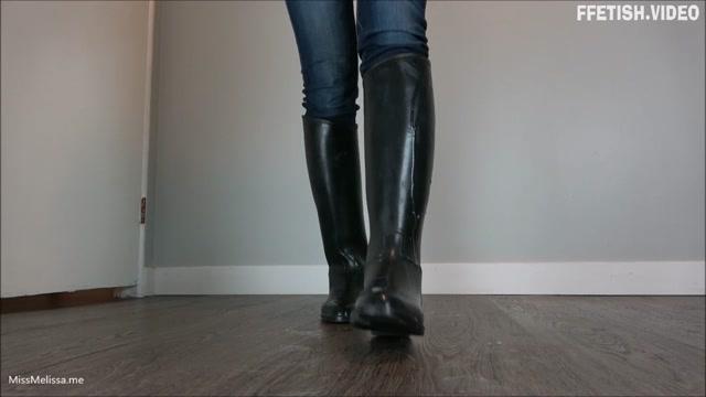 Miss Melissa - Cucky Piggy00 Licks up Cum off Riding Boots 00014