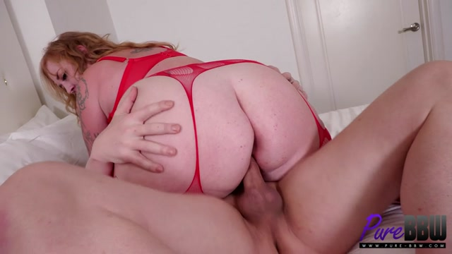 Pure-BBW_presents_Thick_Lizzy_-_She_has_both_sensuality_AND_sex_appeal___31.03.2021.mp4.00010.jpg