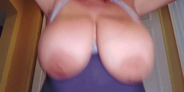 annabellerogers_01-08-2020-90685060-Mommy_Boob_Suck_POV_JOI.mp4.00011.jpg
