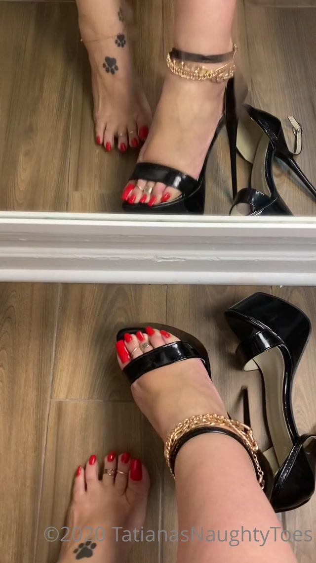 tatianasnaughtytoes-30-09-2020-991583743-new-2020-09-30-red-pedicure-black-stilettos 00014