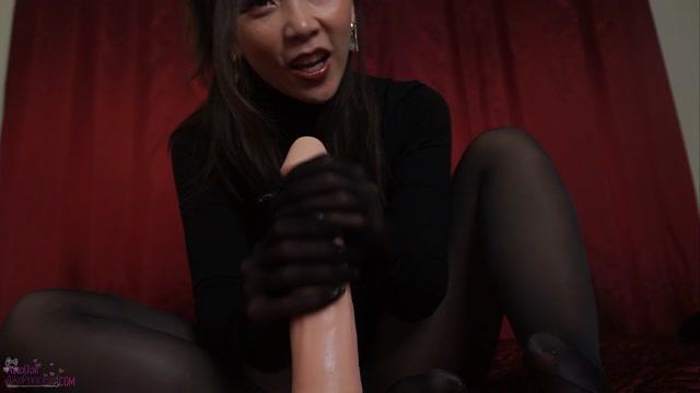 Aiko Moe - Make U Weak Nylon Gloves shiny pantyhose 00009