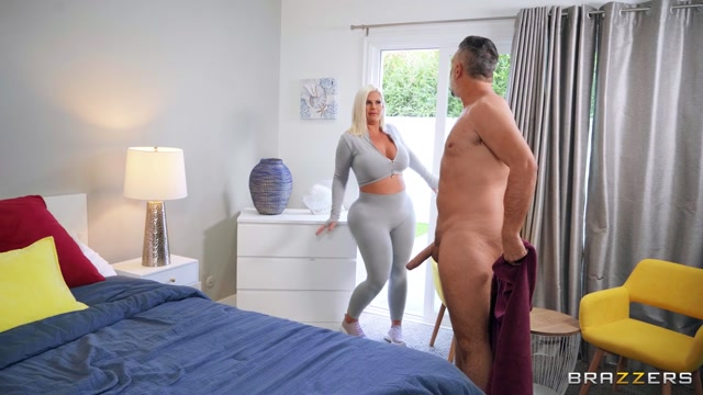 Brazzers - BrazzersExxtra presents Julie Cash - Look At All That Cash – 13.06.2021 00000