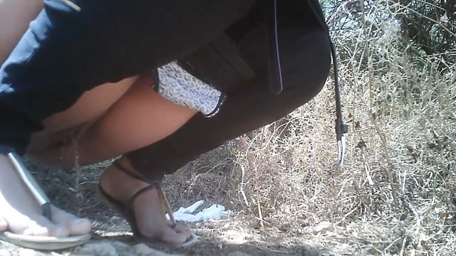 Watch Free Porno Online – Female Hikers Peeing (MP4, HD, 1280×720)